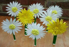 Daisy and Dandelion paper flowers